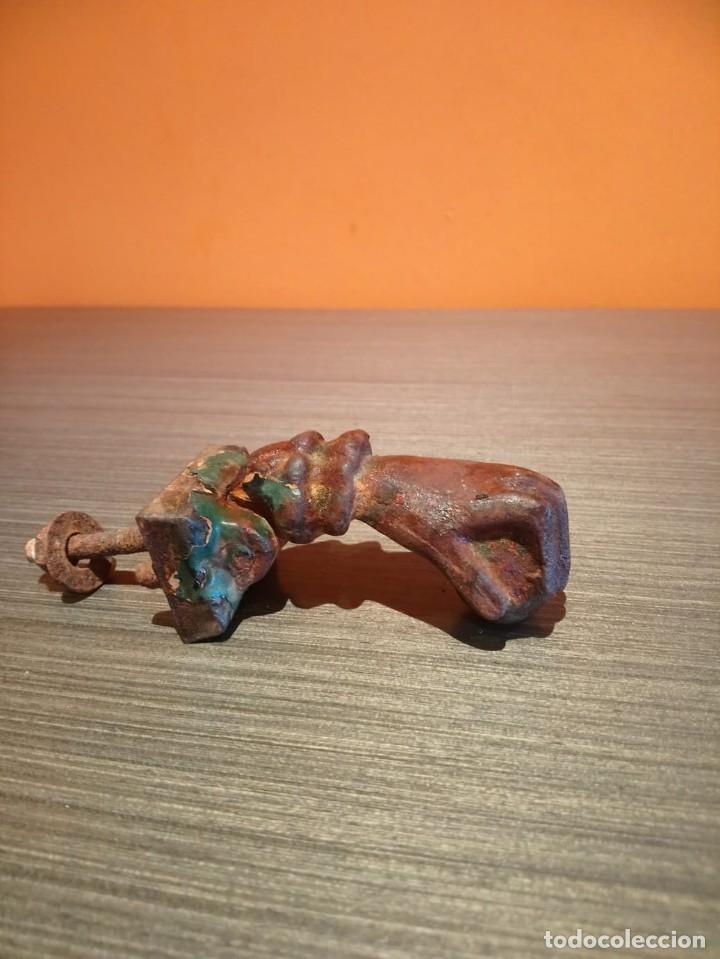Antigüedades: Antiguo picaporte o llamador de puerta en forma de mano (Salida 1€) - Foto 7 - 146454070