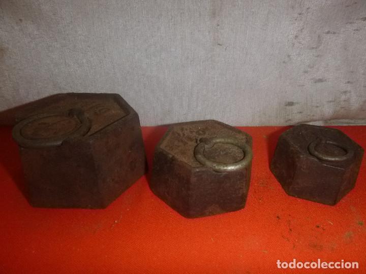 TRES PESAS DE HIERRO (Antigüedades - Técnicas - Medidas de Peso - Ponderales Antiguos)