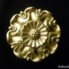 Antigüedades: ANTIGUA ROSETA DE LATÓN. DIÁMETRO 9 CM. (1). Lote 146837210