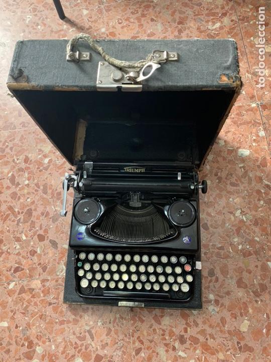 Antigüedades: Máquina de escribir portátil Triumph Perfekt - Foto 2 - 146992082