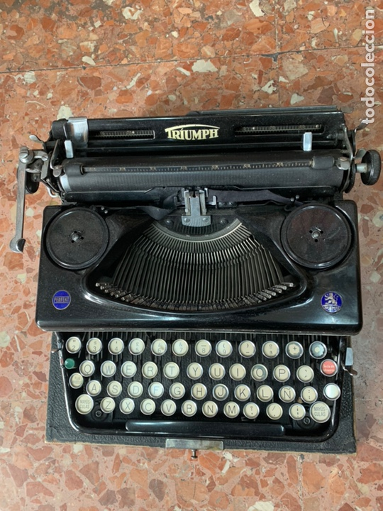 Antigüedades: Máquina de escribir portátil Triumph Perfekt - Foto 3 - 146992082