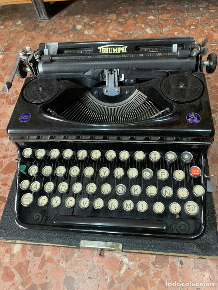 Antigüedades: Máquina de escribir portátil Triumph Perfekt - Foto 4 - 146992082