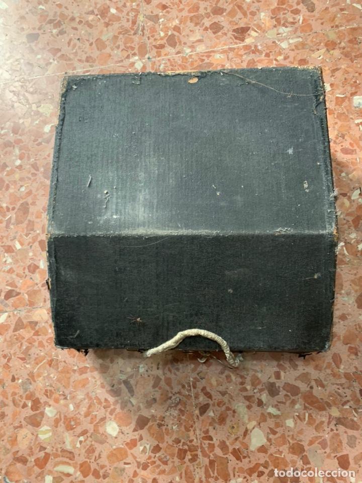 Antigüedades: Máquina de escribir portátil Triumph Perfekt - Foto 5 - 146992082