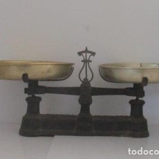 Antigüedades: ANTIGUA BALANZA DE PLATOS. Lote 147178750