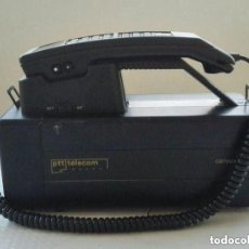 Teléfonos: TELEFONO DE MALETA AÑOS 80S MARCA PTT TELECOM MODELO CARVOX 3000. Lote 147224566