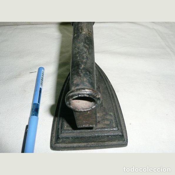 Antigüedades: Lote de cinco planchas antiguas de hierro - Foto 5 - 147230782