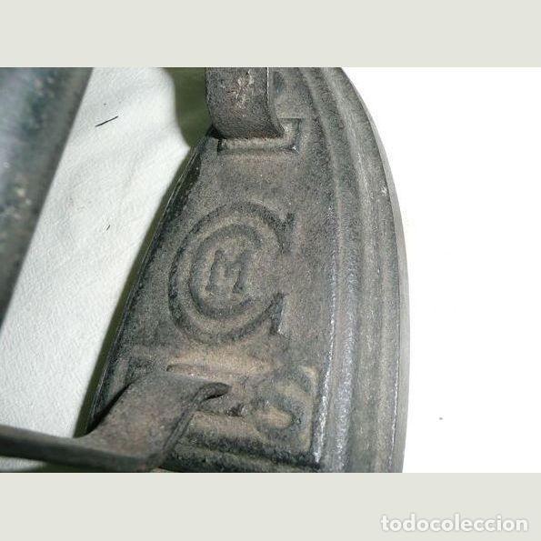 Antigüedades: Lote de cinco planchas antiguas de hierro - Foto 6 - 147230782