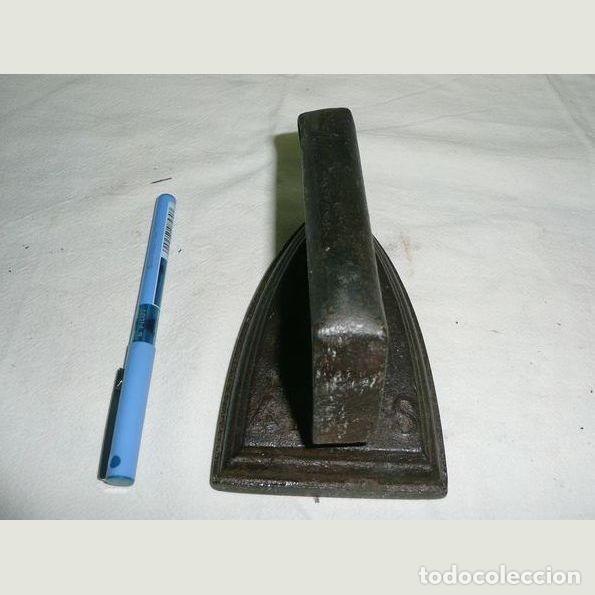 Antigüedades: Lote de cinco planchas antiguas de hierro - Foto 9 - 147230782
