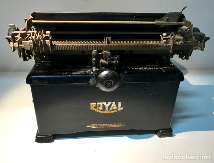 Antigüedades: Antigua máquina de escribir Royal, Trust mecanográfico de Madrid. 1923-24 aprox. - Foto 17 - 147318354