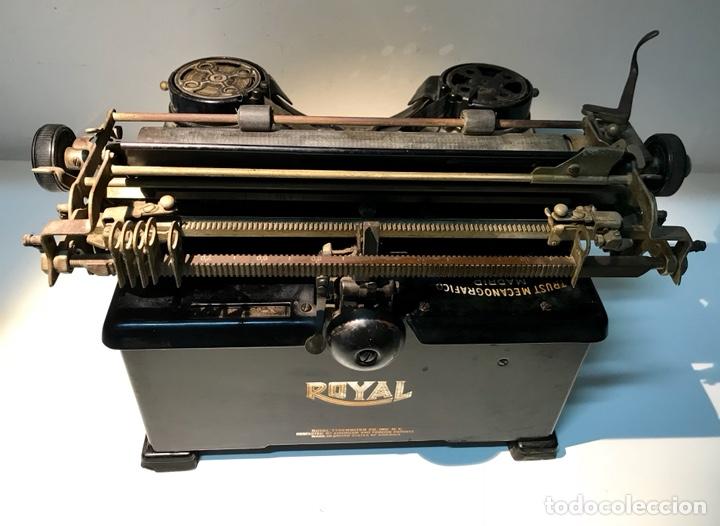 Antigüedades: Antigua máquina de escribir Royal, Trust mecanográfico de Madrid. 1923-24 aprox. - Foto 18 - 147318354