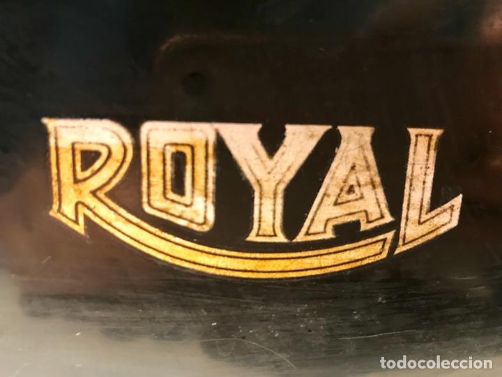 Antigüedades: Antigua máquina de escribir Royal, Trust mecanográfico de Madrid. 1923-24 aprox. - Foto 21 - 147318354
