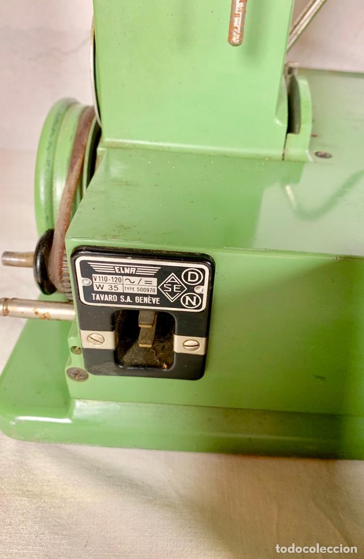 Antiquitäten: Curiosa maquina de coser ELNA de campaña militar, años 40 - 50 - Foto 5 - 147431010