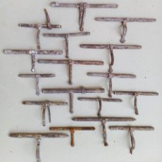 Antigüedades: LOTE DE 17 ANTIGUOS CERROJOS FORMATO MEDIANO Y PEQUEÑO.. Lote 147455822