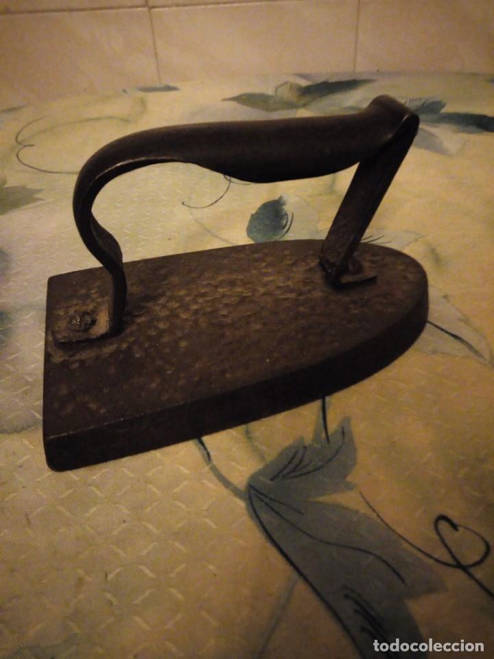 Antigüedades: Antigua plancha de hierro. - Foto 3 - 147456238