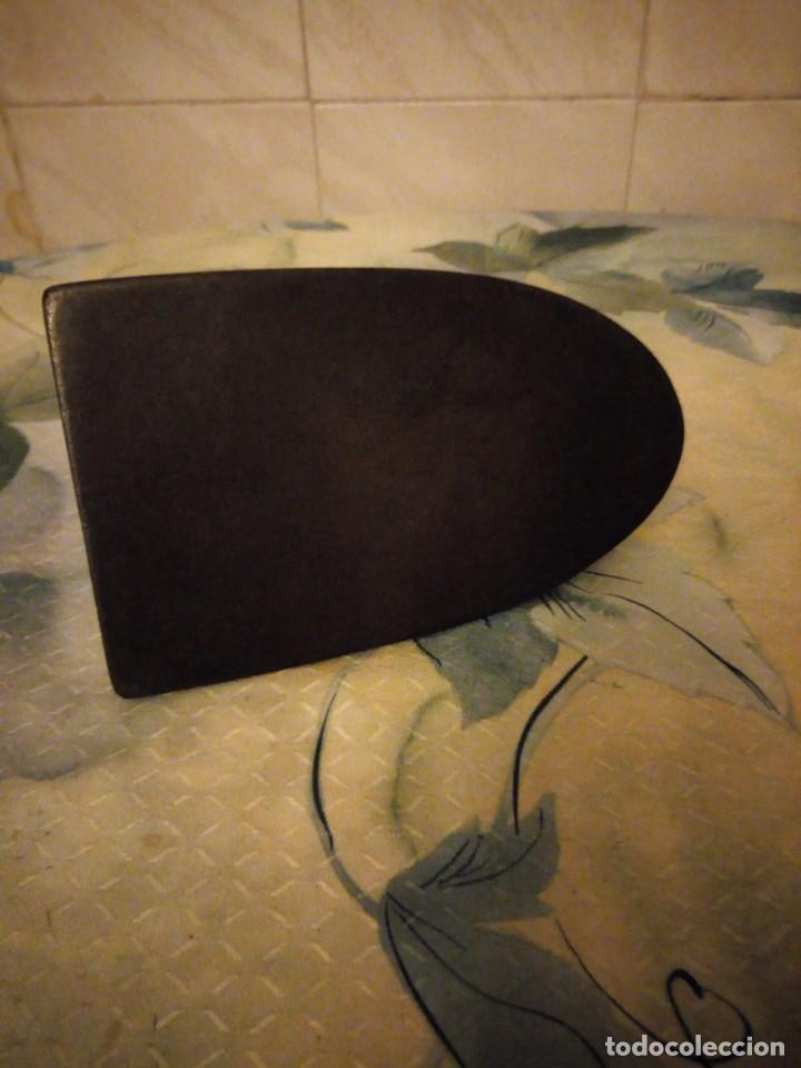 Antigüedades: Antigua plancha de hierro. - Foto 4 - 147456238