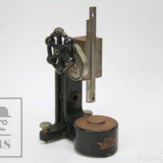 Antigüedades: ANTIGUO ESCLEROSCOPIO / SCLEROSCOPE - THE SHORE INSTRUMENT & MFG. CO., NEW YORK - RESTAURACIÓN. Lote 147465570