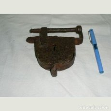 Antigüedades: LOTE COMPUESTO POR TRES CANDADOS ANTIGUOS.EN HIERRO.. Lote 147517630