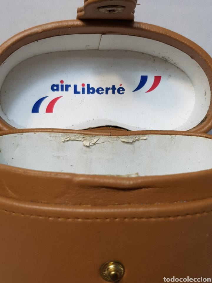 Antigüedades: Prismáticos antiguos publicidad Air Liberté muy raros en funda original - Foto 2 - 147616172