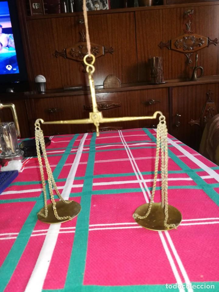 BÁSCULA PEQUEÑA ANTIGUA PARA PESAR ORO CON CAJA (Antigüedades - Técnicas - Medidas de Peso - Balanzas Antiguas)