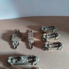 Antigüedades: LOTE DE ANTIGUAS PIEZAS DE BRONCE PARA HACER CERRADURAS DE PUERTAS O VENTANAS.. Lote 147730600