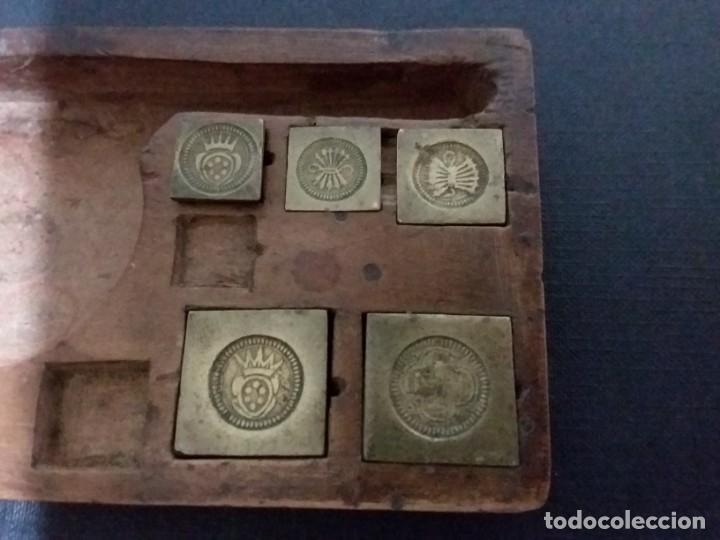 Antigüedades: Balanza quilatera para oro siglo XVII-XVIII - Foto 8 - 147758790