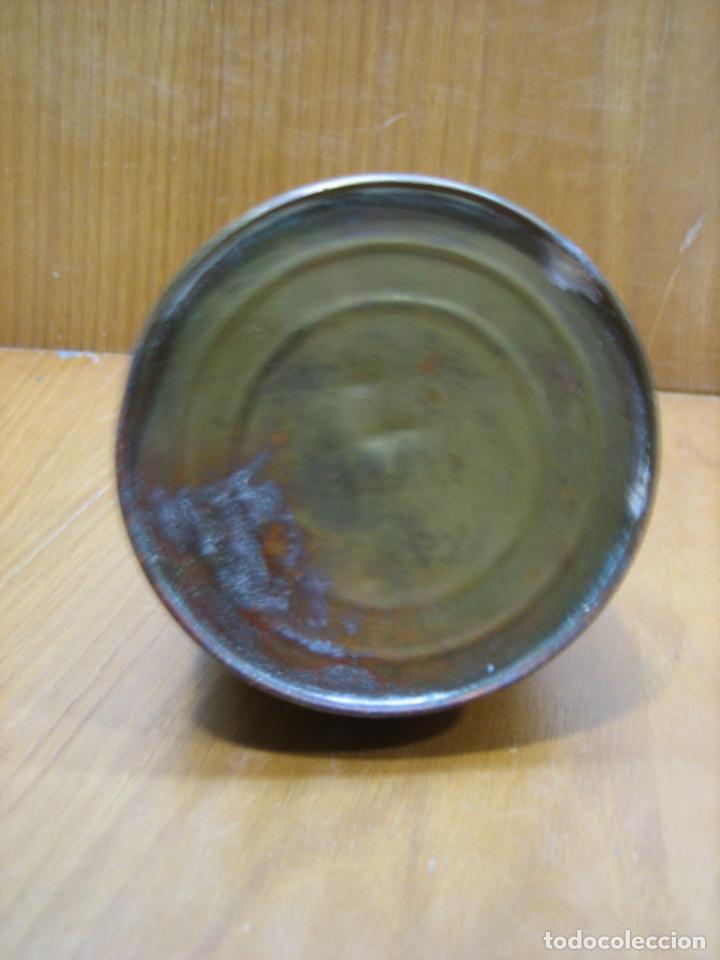 Antigüedades: Antigua aceitera de taller mecanico - Foto 4 - 147834030