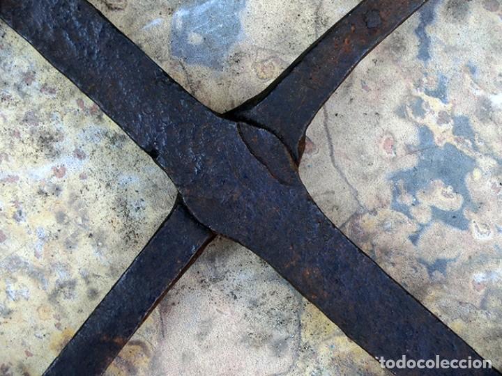 Antigüedades: ANTIGUO Y BONITO HIERRO FORJADO - GANCHO - ESLABONES - ANILLA - PIEZA DECORATIVA - ARTESANÍA RÚSTICA - Foto 8 - 147950578