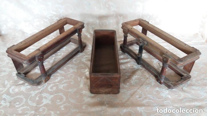 Antiquitäten: Pareja de habitáculos para cajones de mesa de máquina de coser y un cajón, ppios XX - Foto 3 - 148037562