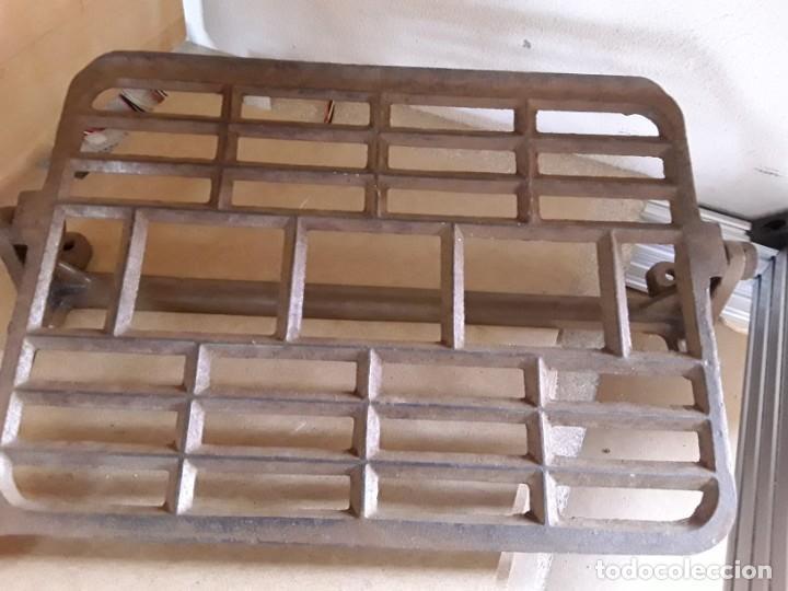 Antigüedades: Pie de máquina de coser alfa - Foto 3 - 148040654