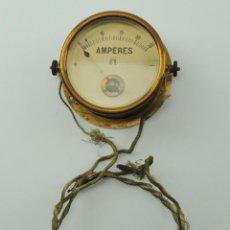 Antigüedades: ANTIGUO AMPERIMETRO DE BARCO - DE LATON PRECIOSO OBJETO DE DECORACION. Lote 148046458