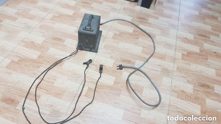 ANTIGUO TRANSFORMADOR 6V 12V (Antigüedades - Técnicas - Herramientas Profesionales - Electricidad)