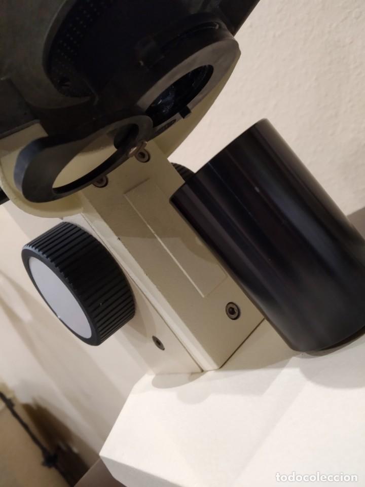 Antigüedades: MICROSCOPIO MONOCULAR ENOSA -AÑOS 80- PROFESIONAL, CON LUZ - Foto 11 - 148143978
