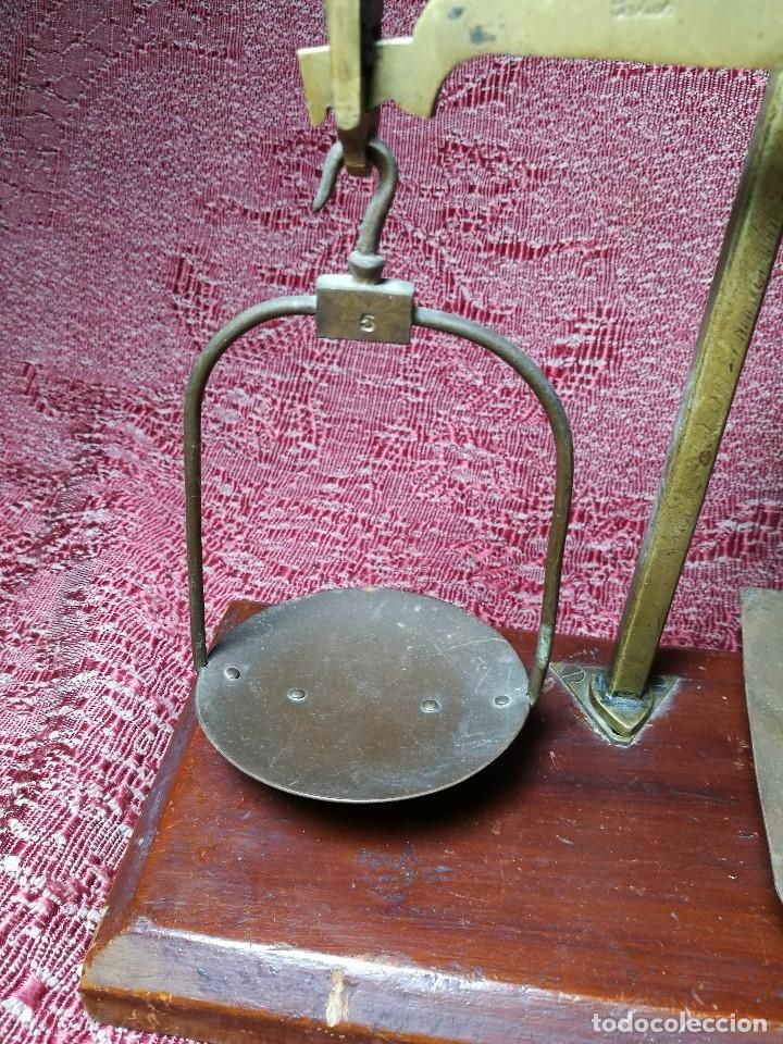 Antigüedades: antigua bascula balanza bronce de precision farmacia 1967 firmada satish toweigh 117 gr..class c - Foto 8 - 148165078