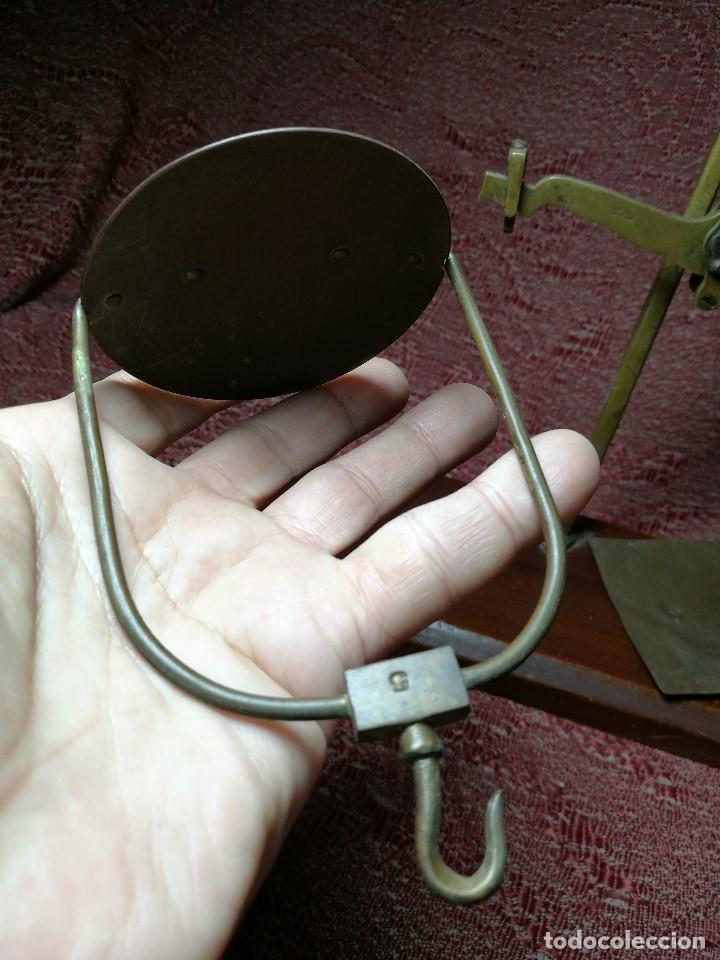 Antigüedades: antigua bascula balanza bronce de precision farmacia 1967 firmada satish toweigh 117 gr..class c - Foto 11 - 148165078