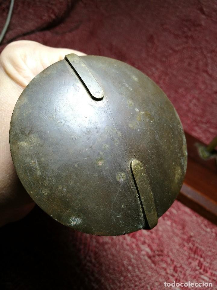 Antigüedades: antigua bascula balanza bronce de precision farmacia 1967 firmada satish toweigh 117 gr..class c - Foto 12 - 148165078