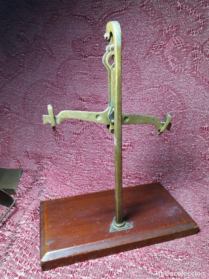 Antigüedades: antigua bascula balanza bronce de precision farmacia 1967 firmada satish toweigh 117 gr..class c - Foto 20 - 148165078