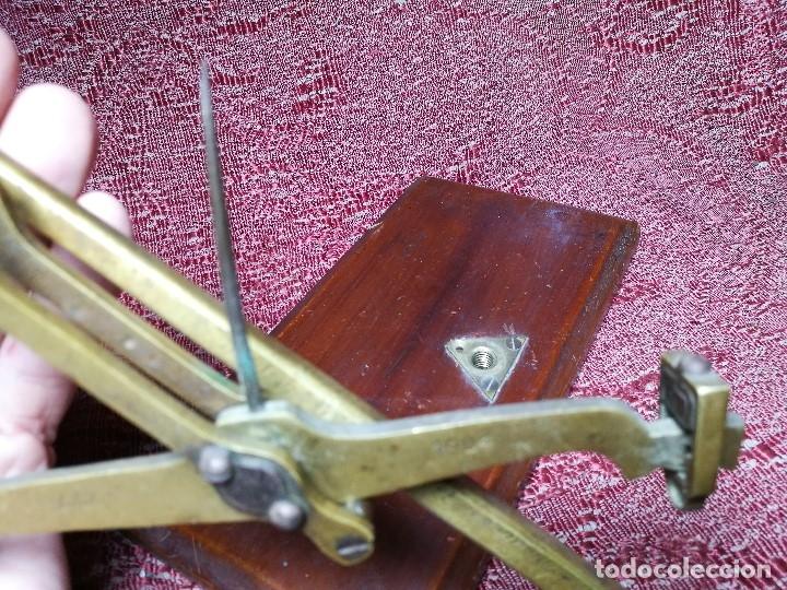 Antigüedades: antigua bascula balanza bronce de precision farmacia 1967 firmada satish toweigh 117 gr..class c - Foto 29 - 148165078