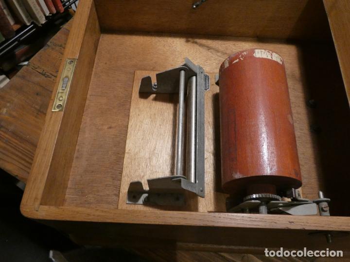 Antigüedades: Antigua caja registradora Alemana, Olten. Timbre que hace de alarma y clave secreta de apertura. - Foto 3 - 148294842