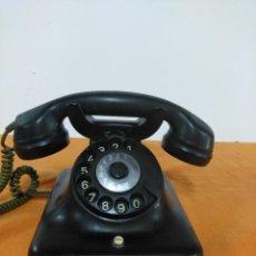 Teléfonos: TELÉFONO DE MESA ALEMÁN ANTIGUO DE BAQUELITA. Lote 148299810