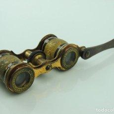 Antigüedades: ANTIGUOS PRISMATICOS BINOCULARES PARA ÓPERA CON MANGO EXCELENTE DECORADO. Lote 148345810