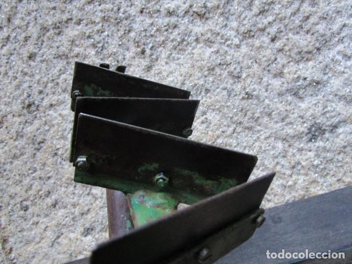 Antigüedades: ESCAYOLISTA ESTUCADOR - RARA HERRAMIENTA DE RASCADO Y ACABADO SUPERFICIES , CUCHILLAS DESMONTABLES. - Foto 3 - 148467142