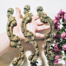 Antigüedades: ENORMES PRECIOSOS TIRADORES DE BRONCE ANTIQUE UNIQUE. Lote 148642594