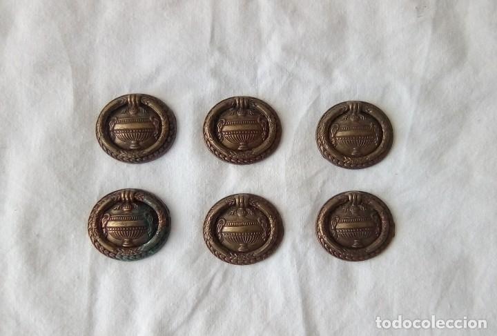 LOTE DE 6 TIRADORES PLEGABLES DE LATÓN (Antigüedades - Técnicas - Cerrajería y Forja - Tiradores Antiguos)