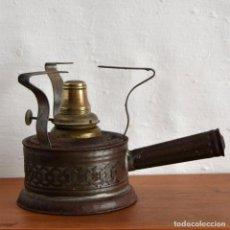 Antigüedades: CURIOSO CALENTADOR QUEMADOR HORNILLO ENFERMERIA MEDICINA LABORATORIO LATON HIERRO INTERIOR DE VIDRIO. Lote 148820118