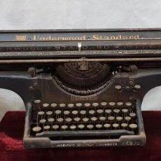 Antigüedades: MÁQUINA DE ESCRIBIR UNDERWOOD STANDARD. Lote 148942194