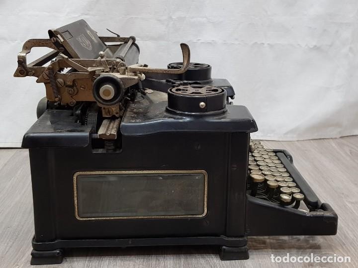 Antigüedades: Máquina de escribir Royal - Foto 8 - 148952170