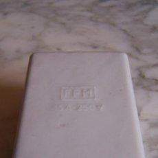 Antigüedades: CAJA FUSIBLES PORCELANA FPM. 15 A- 250 V.. Lote 148966630