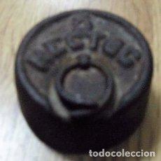Antigüedades: ANTIGUA PESA DE 1/2 KG. Lote 44211794
