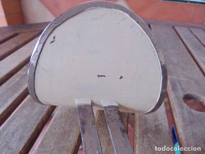 Antigüedades: PIEZA DE MEDICINA PARA COLOCAR EN CAMILLA O SIMILAR PARA PONER EL BRAZO PARA SACAR SANGRE - Foto 5 - 149040462