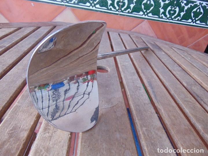 Antigüedades: PIEZA DE MEDICINA PARA COLOCAR EN CAMILLA O SIMILAR PARA PONER EL BRAZO PARA SACAR SANGRE - Foto 7 - 149040462